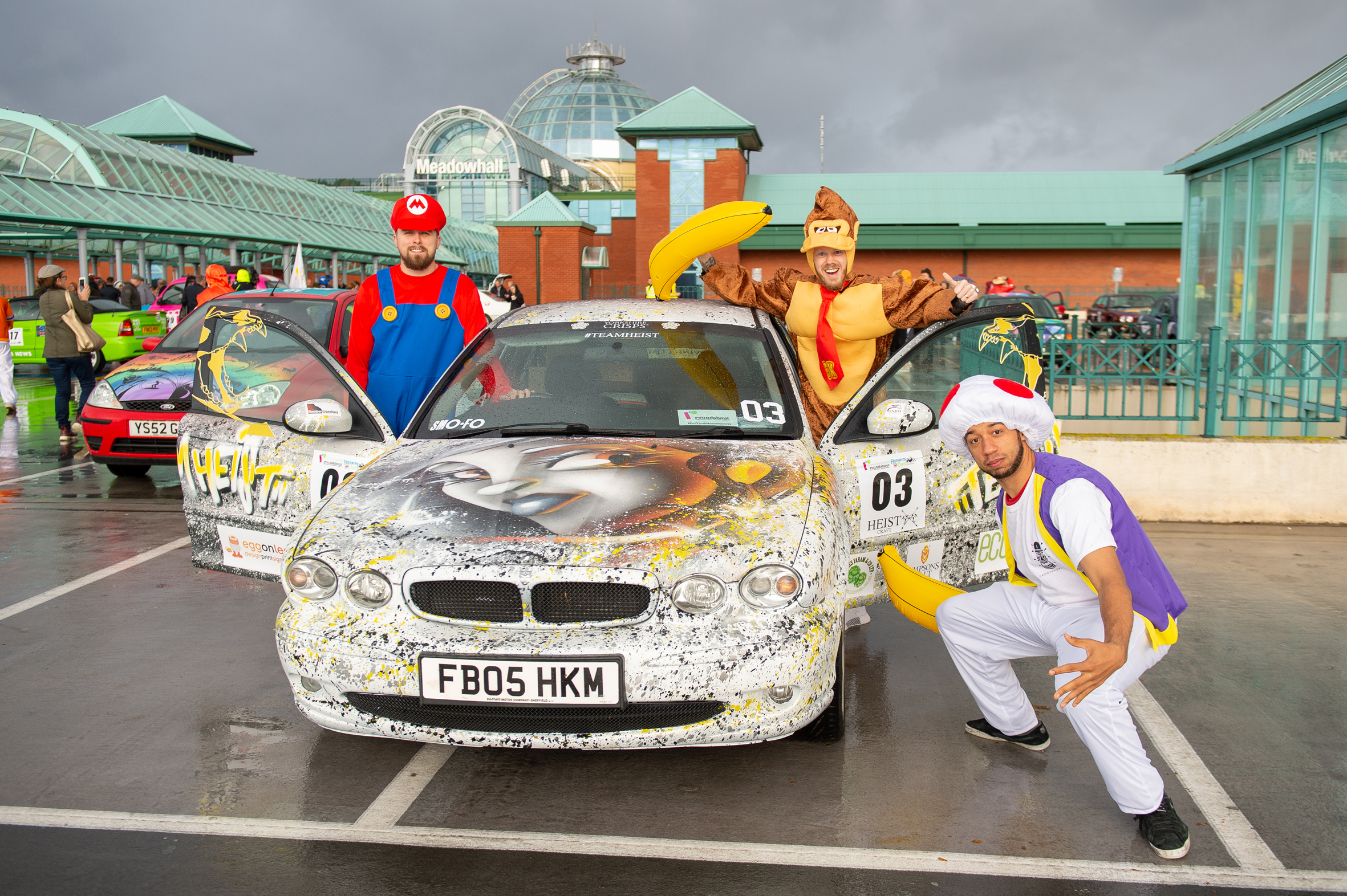 Rally Motor Credit >> Spectacular Convoy Of Colour As Fundraising Banger Rally Sets Off