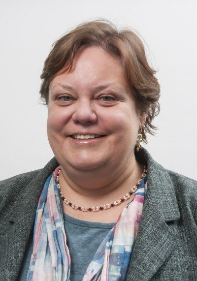 Holly Dobson 4