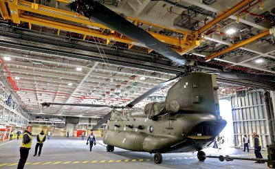Photo 1 hangar chinook - mod