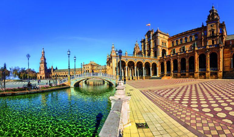 Plaza_Espana_Seville_742062100