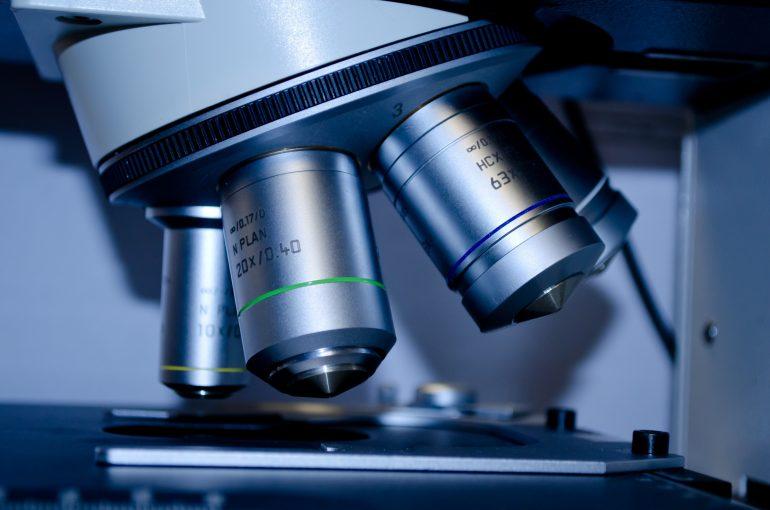 biology-close-up-instrument-60022