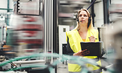 Industrial-woman-engineer-with-headset
