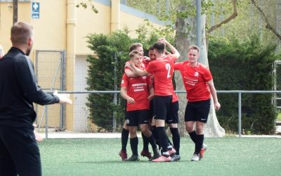 Student footballers claim international silverware.