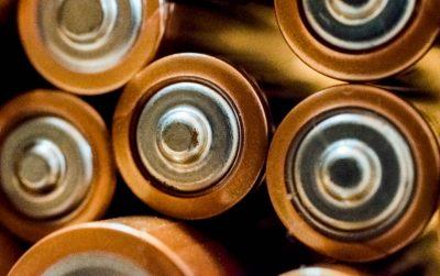 batteries-blur-brass-698485 (1)