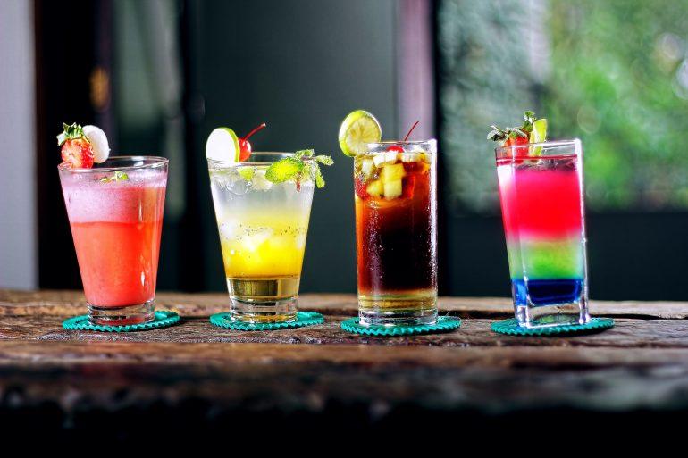 alcoholic-beverages-bar-beverage-cocktail-605408