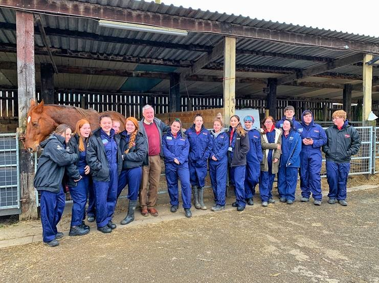 Celebrity vet Peter Wright with Animal Care students_