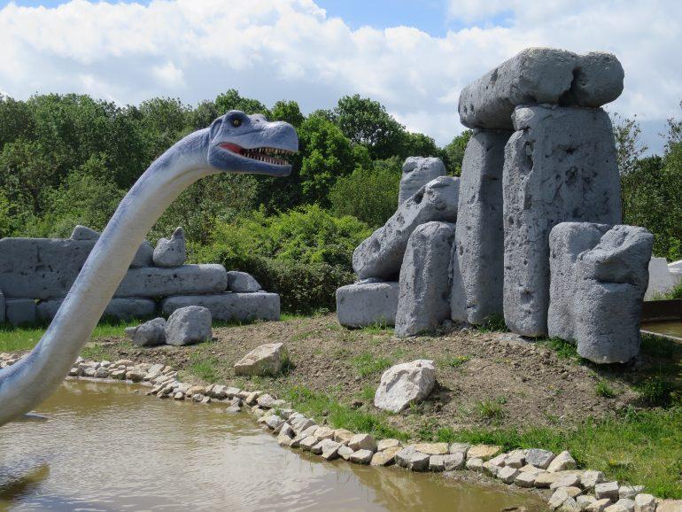 Dinosaur in the Lost World_1SM